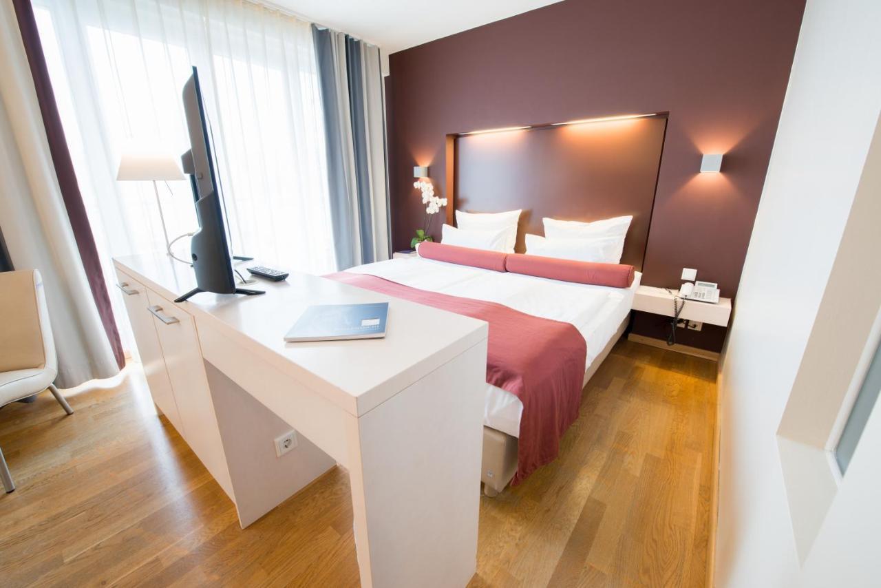 Отель  Nymphe Strandhotel & Apartments
