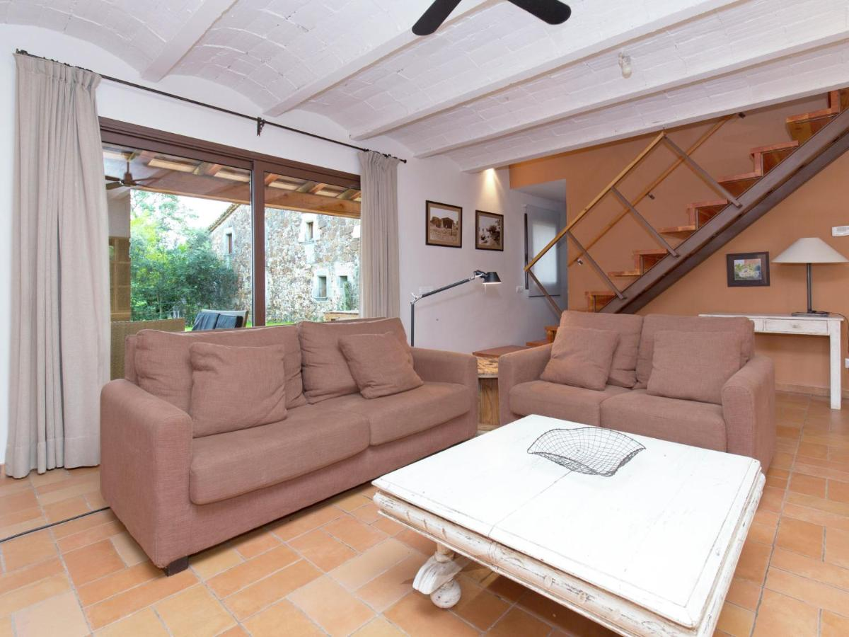 Дом для отпуска  Modern Mansion In Sant Andreu Salou With Swimming Pool