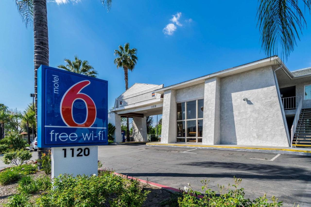 Мотель  Motel 6 Redlands