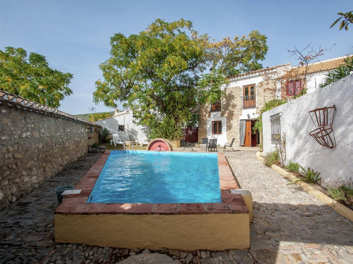 Дом для отпуска  Vintage Holiday Home In Granada With Private Swimming Pool