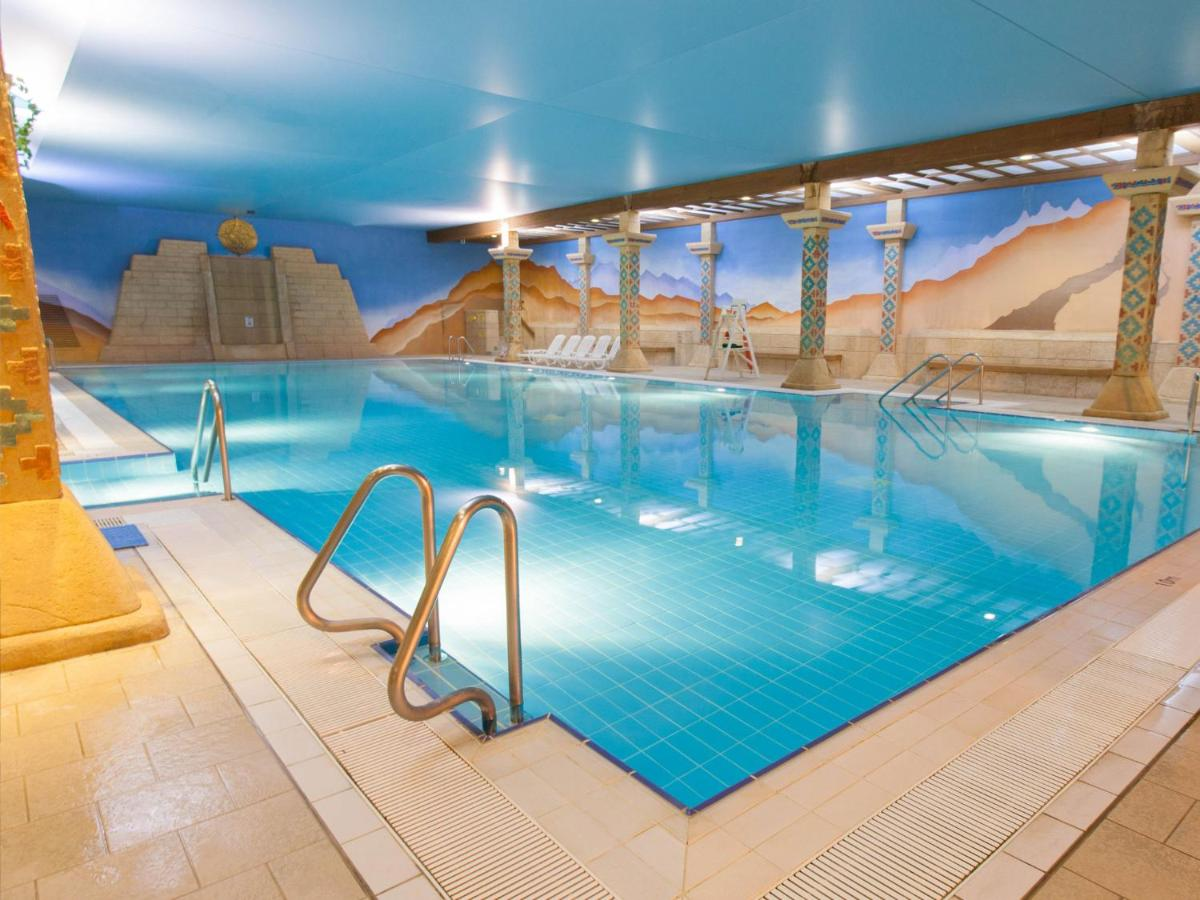 Отель  TLH Carlton Hotel And Spa (TLH Leisure Resort)