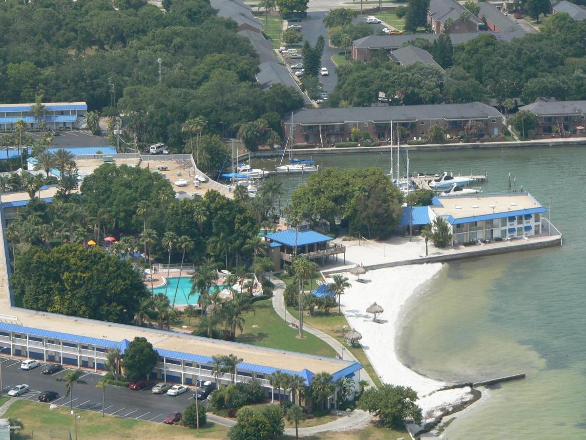 Hotel Magnuson Marina Cove St