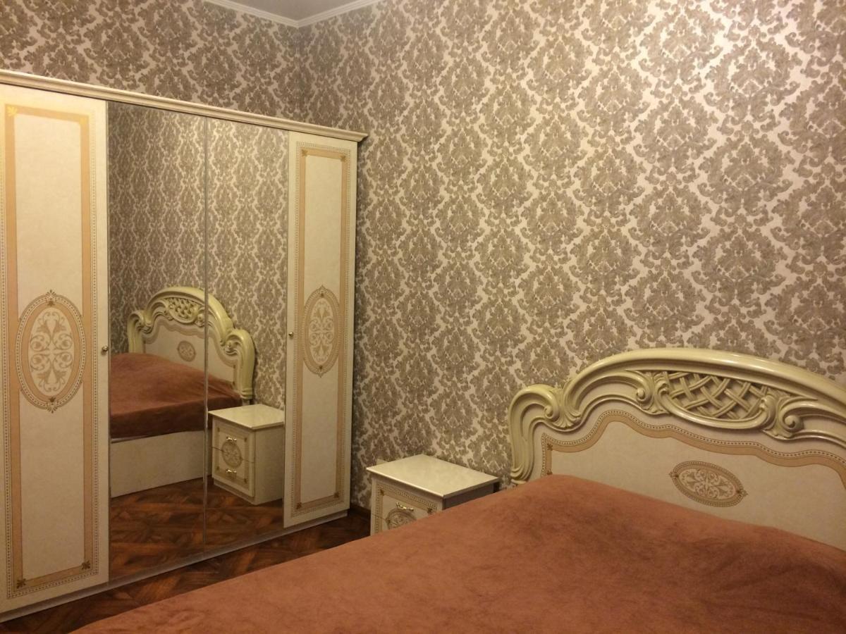 "Апартаменты  Апартаменты ""Отель Сити Тюмень"" на Достоевского, 7"