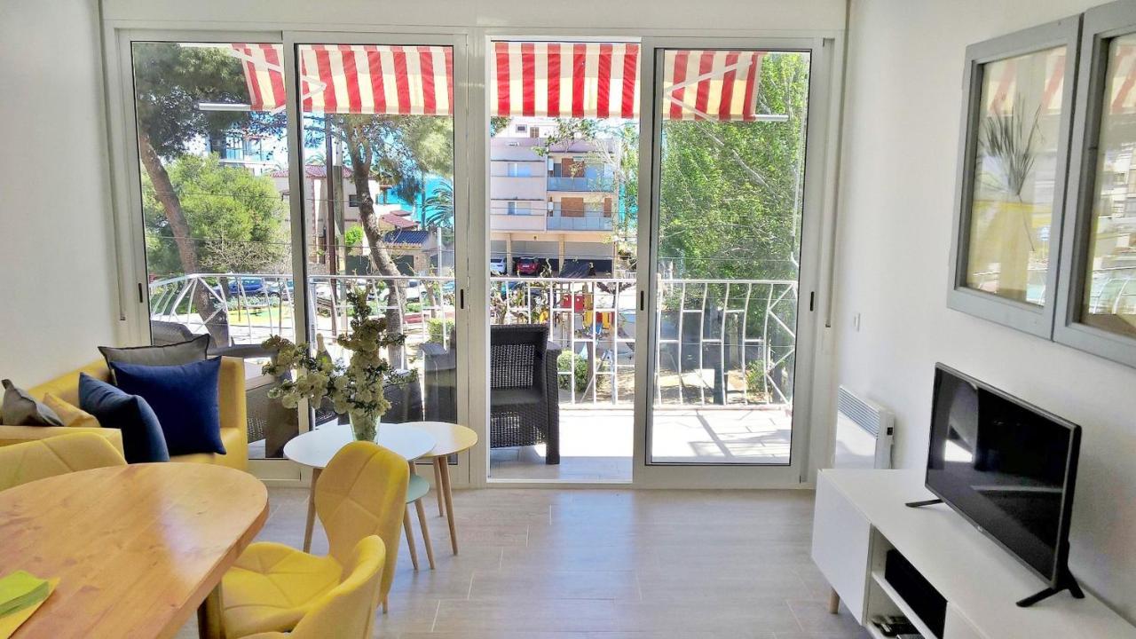Wondrous Apartamento Leman Salou Spain Booking Com Pdpeps Interior Chair Design Pdpepsorg