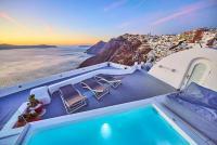 Trieris Villas & Suites