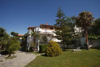 Castello Apartments & Studios