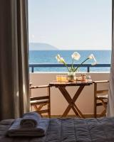Maneas Beach Hotel