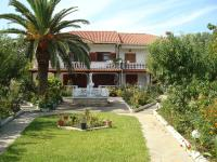 Villa Tonia Apartments