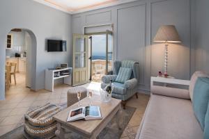 A seating area at Malteza Private Villa
