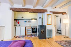 Una cocina o zona de cocina en Apartments Galerija Motovun