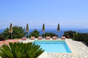 The swimming pool at or near Ostria's House