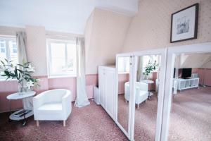 A seating area at Apartamenty nad Motławą III
