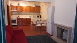 A kitchen or kitchenette at Apartamento Verde Pino