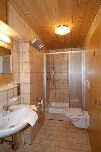 A bathroom at Haus Spielmann