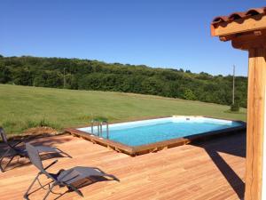Bazén v ubytovaní Domaine de la Marandine alebo v jeho blízkosti