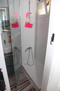 A bathroom at La Cala Finestrat Apartment