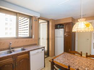 A kitchen or kitchenette at Apartment Edificio Playamar II