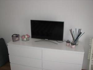 A television and/or entertainment center at Sweet home