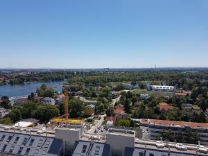 A bird's-eye view of Flat UNO City