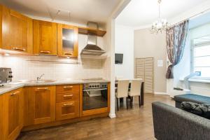 Virtuvė arba virtuvėlė apgyvendinimo įstaigoje Delta Apartments - Town Hall