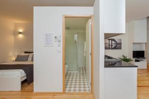 A bathroom at BO - Almada 346