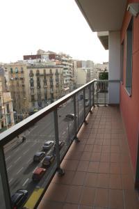 A balcony or terrace at Suites Aragó 565 - Abapart