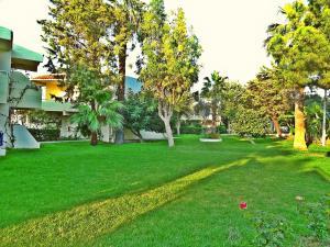 Jardín al aire libre en Filerimos Village