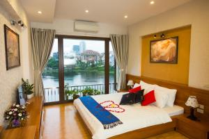 Bright 2BR Apartment, Amazing View over the Lake