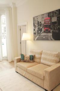 Ein Sitzbereich in der Unterkunft Urban Stay Notting Hill Apartments