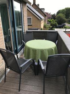 Een balkon of terras bij De Wadden