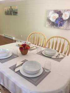 Un restaurante o sitio para comer en Kirschner Mountain Suite