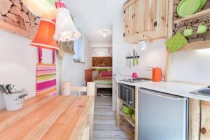 Cucina o angolo cottura di Little Biggie Studio