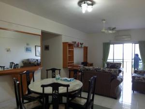 A restaurant or other place to eat at Lumut Valley Resort Condominium
