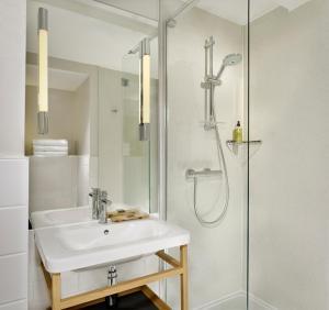 A bathroom at Citadines Barbican London