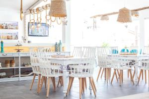 A restaurant or other place to eat at Malibu Boutique Studios