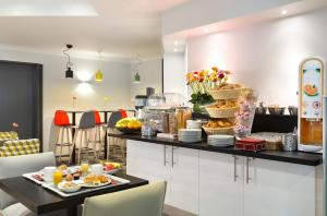 Breakfast options available to guests at Citadines Bastille Gare de Lyon Paris