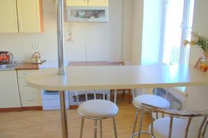 Кухня или мини-кухня в Sea View Apartments