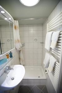 Ein Badezimmer in der Unterkunft Haus Barbara