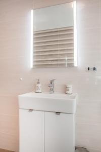 Een badkamer bij Apartments Villa Matea