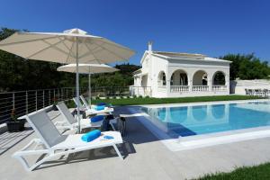 Πισίνα στο ή κοντά στο Villa Vozos