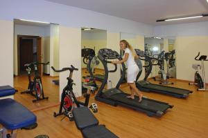 The fitness center and/or fitness facilities at Hotel Residence Campi