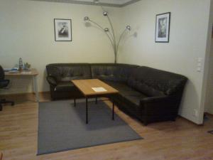 A seating area at Marent Apartments