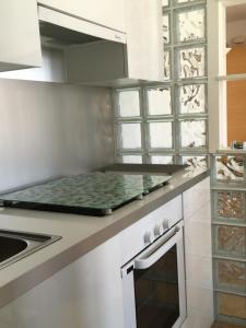 Küche/Küchenzeile in der Unterkunft Apartamentos AV