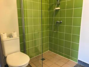 A bathroom at Apparteo Lyon 7 Jean Jaurès