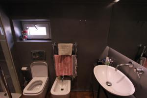 A bathroom at Cappellari Terrace