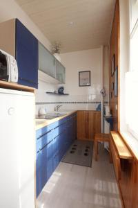 A kitchen or kitchenette at Le quai Maupassant