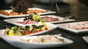 Lunch and/or dinner options for guests at Hotel DeSilva Premium Poznań