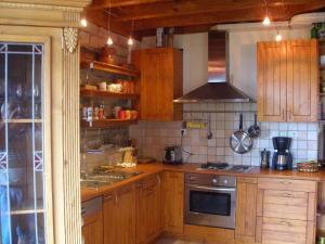 Кухня или кухненски бокс в Къща Живка