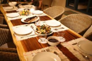 ห้องอาหารหรือที่รับประทานอาหารของ Nirvana Blue