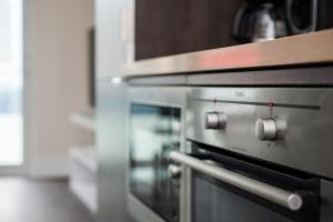 Køkken eller tekøkken på Veeds Private Suites - Front Street West Toronto